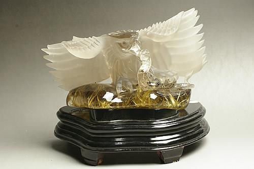 ルチル水晶彫刻 ワシ