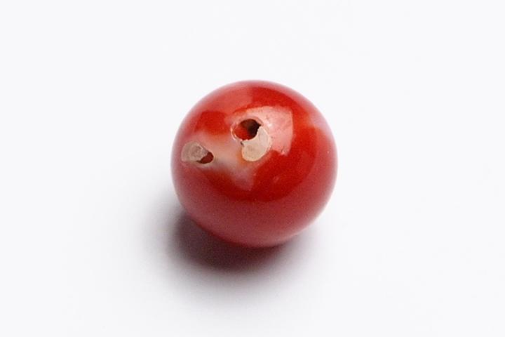 7mm高知県土佐沖産天然血赤サンゴ(赤珊瑚)ファイナルグレード片穴粒売りビーズ