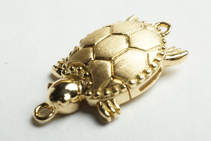 K18アクセサリーパーツ 日本製 亀