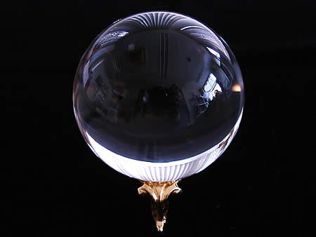 最高級品鑑別証付き5A無垢水晶丸玉62.5mm