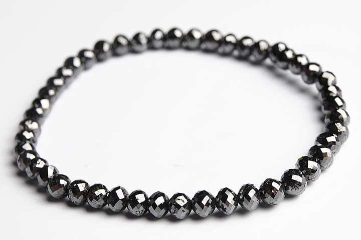 32.5ct 4.5mmブラックダイヤモンドラウンドカット(ミラーボールカット)ブレスレット 穴サイズを1.0mmまで大きくしています