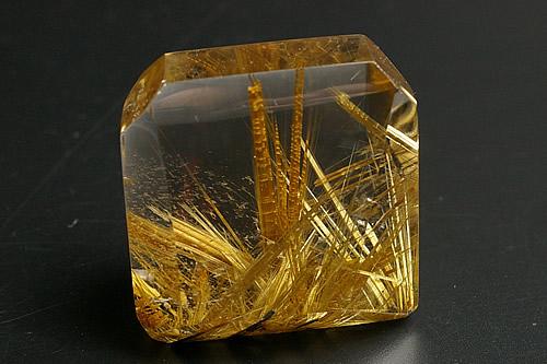 ハイパープレミアムグレードルチル水晶フリーカット