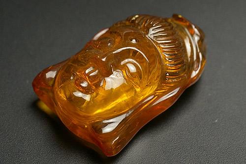 ドミニカ産 ブルーアンバー仏様彫刻