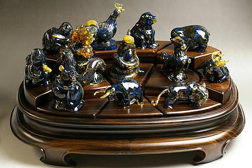 超特大!博物館クラス!ブルーアンバー 十二支彫刻品 トップクオリティ ドミニカ産