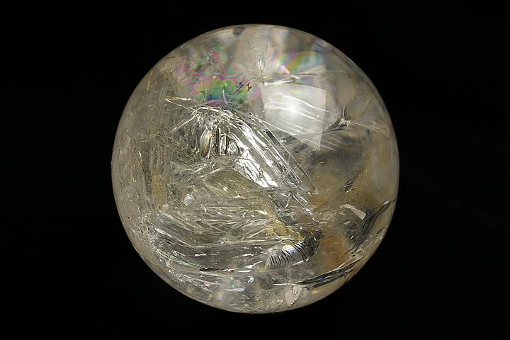 マダガスカル産水入り水晶丸玉