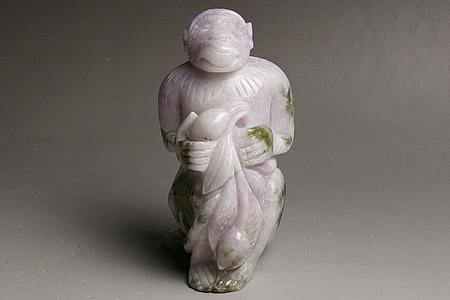 大きいラベンダーヒスイ彫刻 申 ミャンマー産