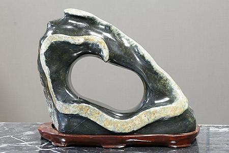 現品限り一斉値下げ! 蛇石(蛇、水石)11.75kg 木製台付き, CHLOROS (クロロス):be1ad2f7 --- greencard.progsite.com