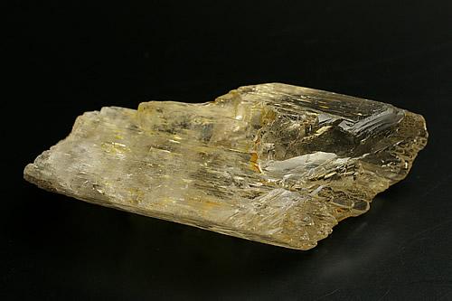 イエロークンツァイト原石 (スポジュメン)アフガニスタン産