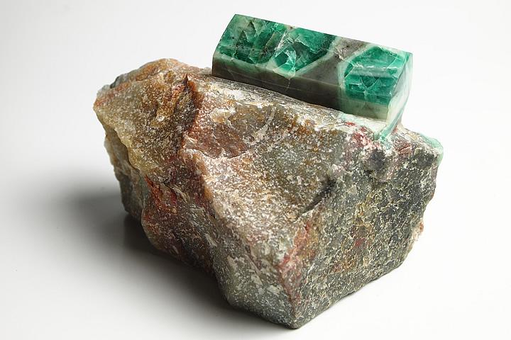 エメラルド原石磨き ブラジル産