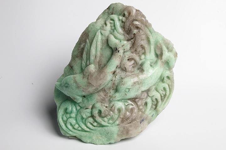 ザンビア産エメラルド彫刻品 イルカ彫刻