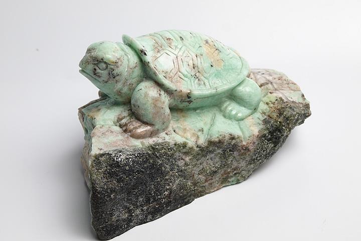 ザンビア産エメラルド彫刻品 亀彫刻