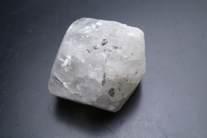 15.6gフェナカイトラフ原石 ファイナルグレード ロシア産