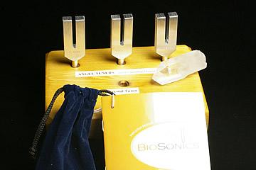 エンジェルチューナー BIOSONICS社製音叉 フルセットモデル 木製台付き 2A水晶ポイント付き 和訳説明書付き!
