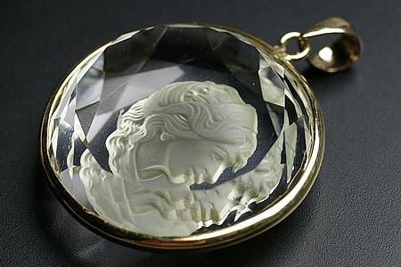 水晶カメオK18ペンダントトップ(手彫り 日本の職人シリーズ)