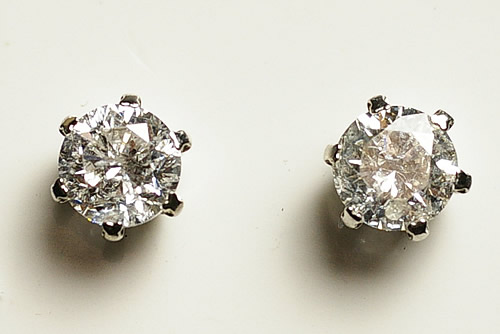 高い品質 ダイヤ・プラチナピアス0.5ct×2個, あおもりけん c7e47002