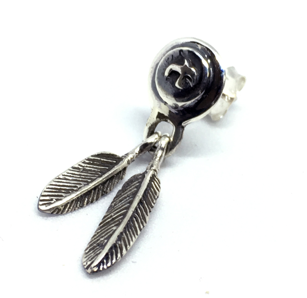Silver925 イーグルコインフェザーピアス メンズ 高価値 ピアス シルバー925 インディアン系 1点売り 使い勝手の良い ネイティブ系 銀 シングルピアス 片耳用