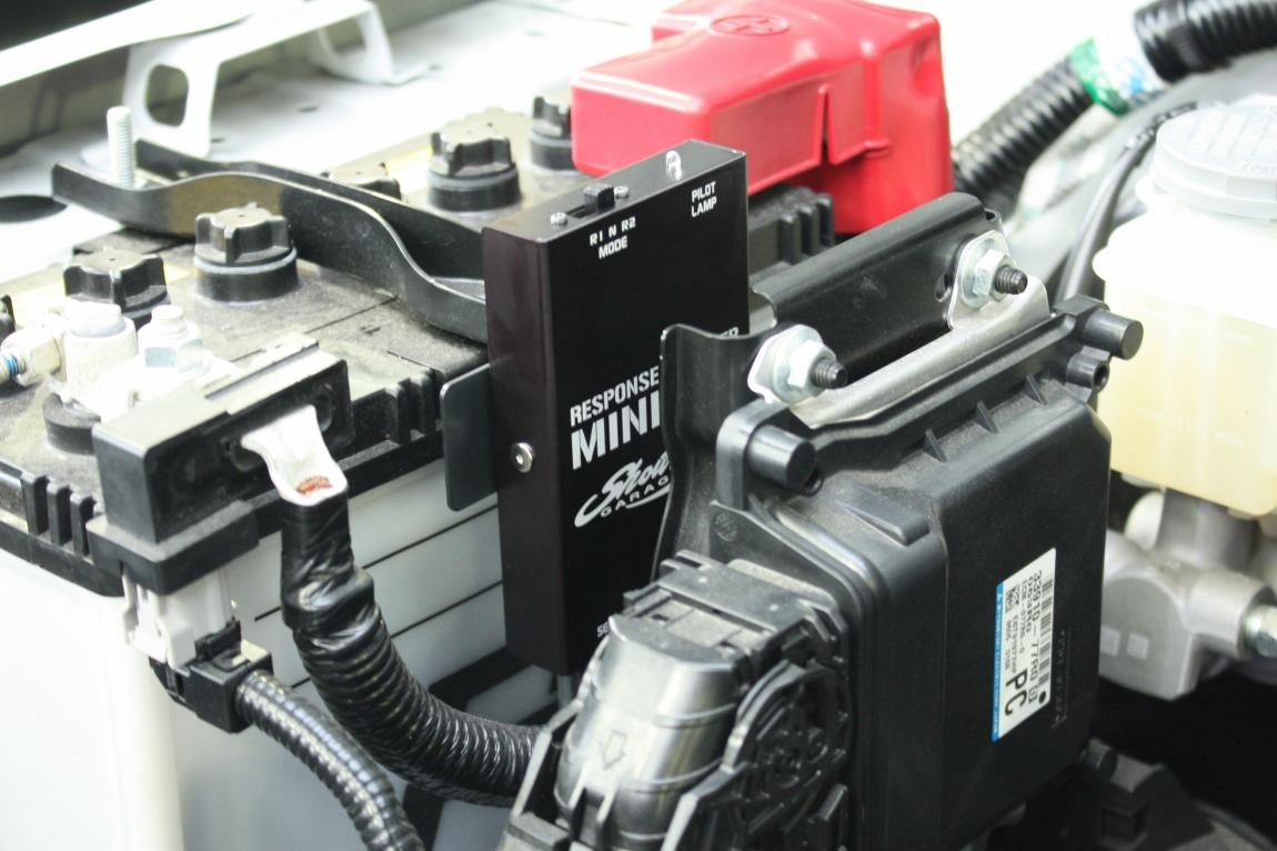 手軽にパワーアップ 在庫処分 確実に体感できます 特別セール品 ジムニー JB64専用 専用取り付けステー付き ミニコン ショウワガレージオリジナルセッティング
