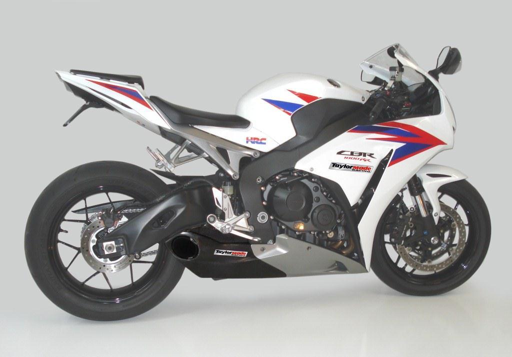 テイラーメイドレーシング(Taylor Made Racing)2012' CBR 1000RR スリップオンエキゾーストシステム & カーボントリム2012' CBR 1000RR Slip On Exhaust + Carbon Trim