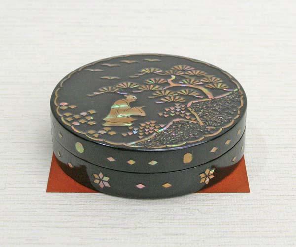 【送料無料】 香合 高岡漆器 丸 松人物 (朱肉入れ 朱肉池)