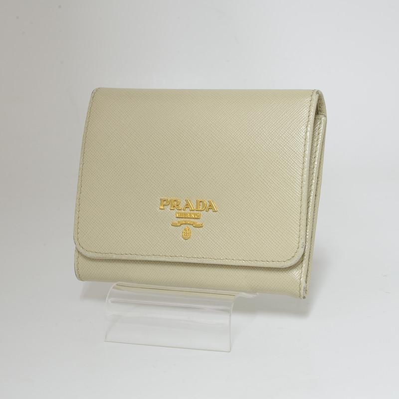 プラダ 3つ折り財布 サフィアーノ コンパクト ベージュ系 PRADA【新着】 【オススメ】【中古】