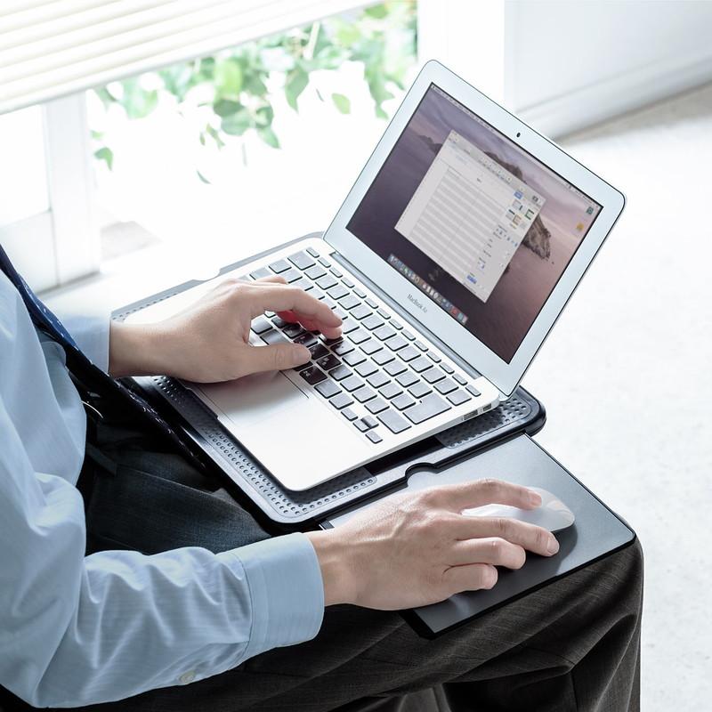 人気ブランド多数対象 新品 ひざ上テーブル 膝上テーブル 持ち運び テレワーク 在宅勤務 ノートパソコン 爆買い新作 サンワサプライ 13.3インチ 200-HUS011 左右スライド式マウスパッド内蔵 ラップトップテーブル 15.6インチ タブレット