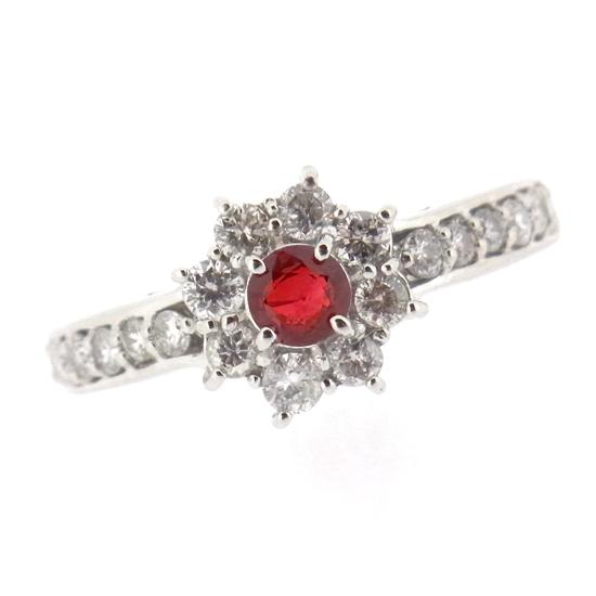 美しい真紅の輝き ルビー0.30ct ダイヤ0.51ct プラチナリング【新品】