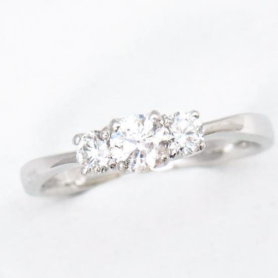 【新品】Pt900ダイヤモンド計0.601ct(0.316ct/0.144ct/0.141ct) リング