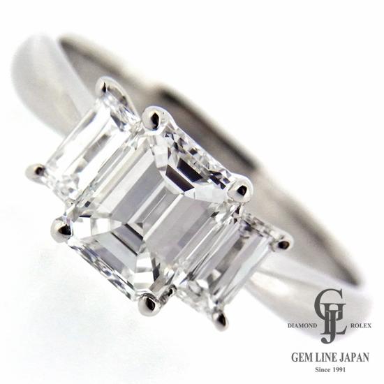 【中古】大粒 ダイヤモンドリング 1.047ct プラチナ製 Fカラー VSクラス エメラルドカット 他ダイヤ0.47ct 立爪デザイン