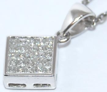 ミステリーセッティング ダイヤモンド-0.25ct スクエアデザイン Pt ペンダントネックレス 【店頭受取対応商品】