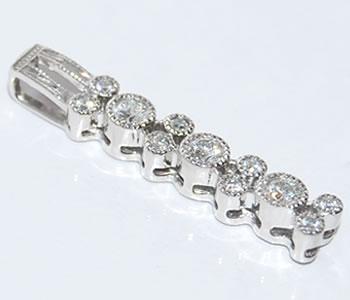 【送料無料】Pt ダイヤモンド-0.36ct ミル加工デザイン ペンダントトップ【smtb-tk】【fsp2124】