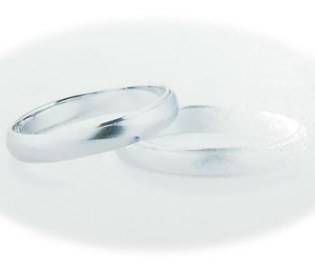斜めライン艶消し甲丸 Pt/プラチナ シンプルマリッジリング サイズ #22~24/ハーフサイズ 【店頭受取対応商品】