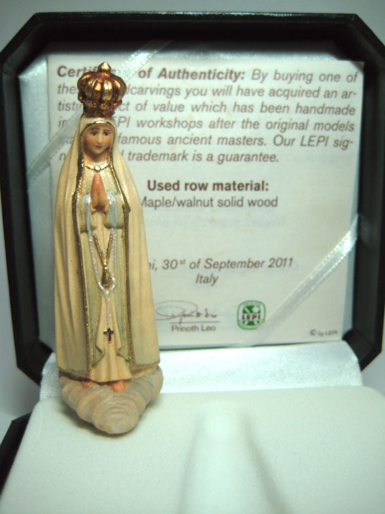 《レーピ》欧州教会使用創業100年 木彫りブランドミニ木彫り 聖母マリア像「 ファティマ 」カラー(手彩色)高さ 7cm高級ケース入 保証書付【イタリア】