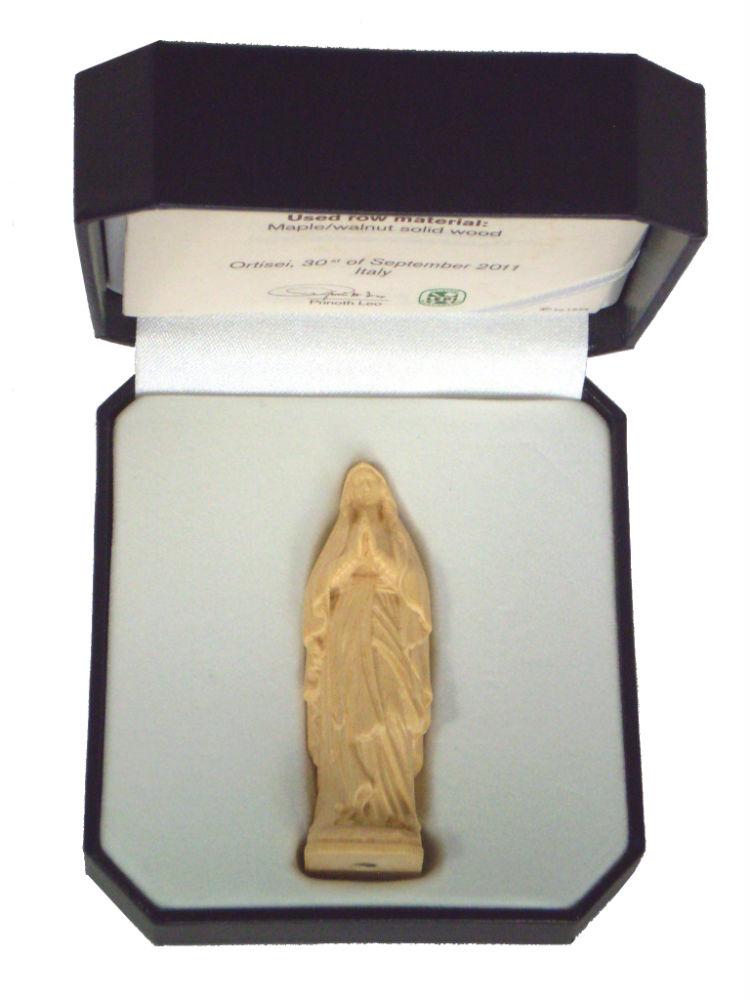 聖母マリア像 ルルド ファクトリーアウトレット のミニ木彫り 自然木の彫出しのニス仕上で精巧 高級ケース入 《レーピ》欧州教会使用創業100年 18%OFF 7cm高級ケース入 イタリア 保証書付 木彫りブランドミニ木彫り ニス仕上げ 高さ