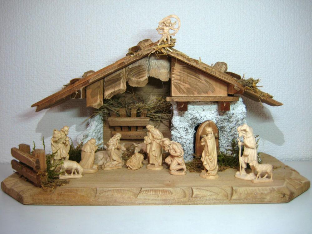 《レーピ》欧州教会使用創業100年木彫りブランド木彫り クリスマス人形キリスト降誕セット(プレゼピオ)『ルパート』シリーズ人形:ニス仕上げ   高さ 5cm 13体台小屋付き【イタリア】
