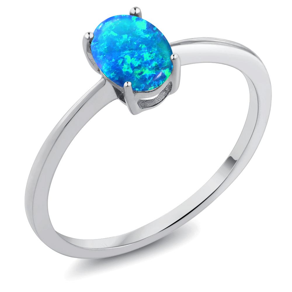Gem Stone King 0.63カラット シミュレイテッド ブルーオパール 10金 ホワイトゴールド(K10) 指輪 リング レディース 一粒 シンプル ソリティア 10月 誕生石 金属アレルギー対応 婚約指輪 エンゲージリング