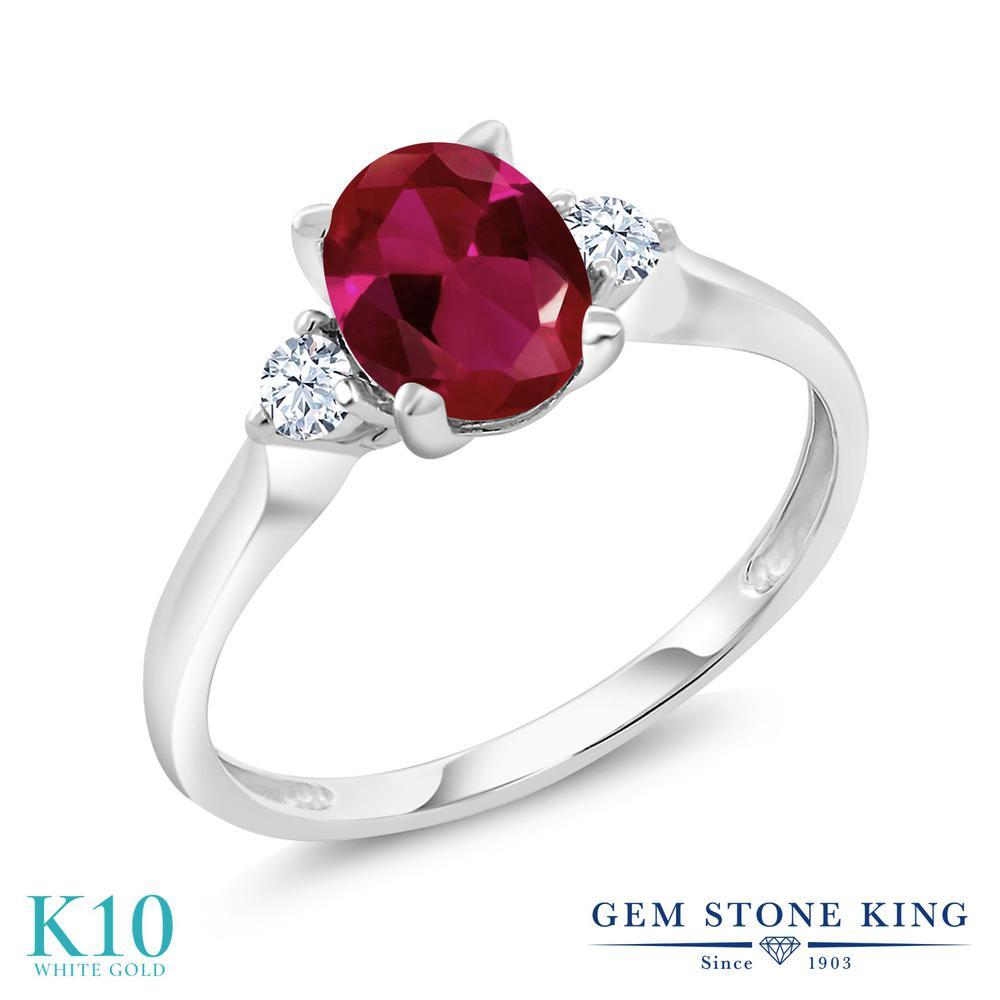 【10%OFF】 Gem Stone King 1.6カラット 合成ルビー 合成ホワイトサファイア (ダイヤのような無色透明) 指輪 リング レディース 10金 ホワイトゴールド K10 大粒 シンプル スリーストーン クリスマスプレゼント 女性 彼女 妻 誕生日