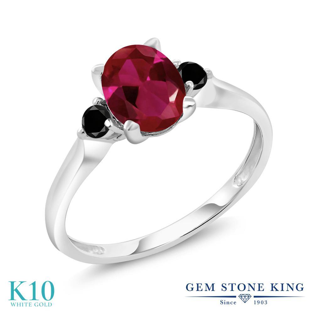 Gem Stone King 1.63カラット 合成ルビー 天然ブラックダイヤモンド 10金 ホワイトゴールド(K10) 指輪 リング レディース 大粒 シンプル スリーストーン 金属アレルギー対応 誕生日プレゼント