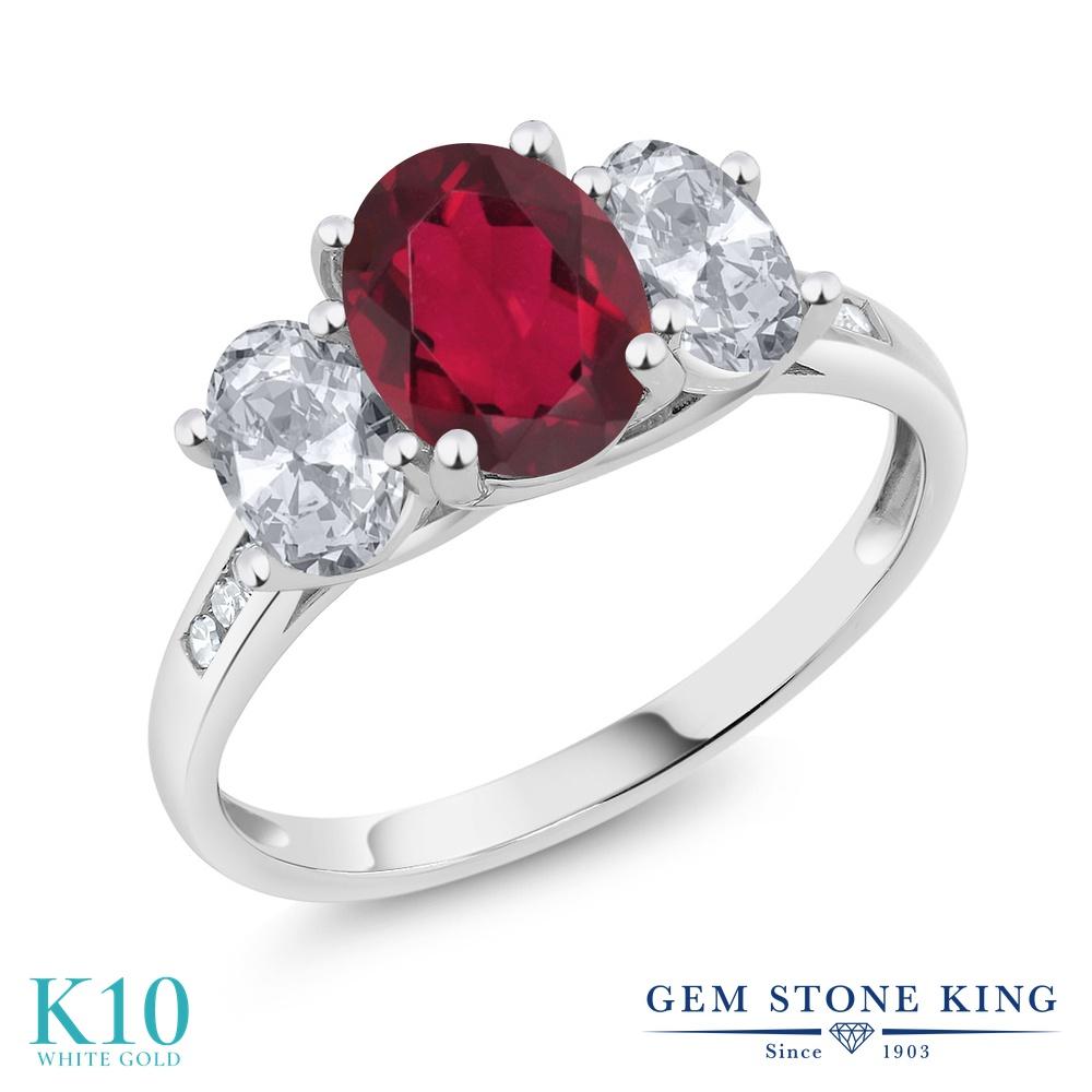 【10%OFF】 Gem Stone King 2.3カラット 天然 ミスティックトパーズ (ルビーレッド) トパーズ ダイヤモンド 指輪 リング レディース 10金 ホワイトゴールド K10 大粒 スリーストーン 天然石 クリスマスプレゼント 女性 彼女 妻 誕生日