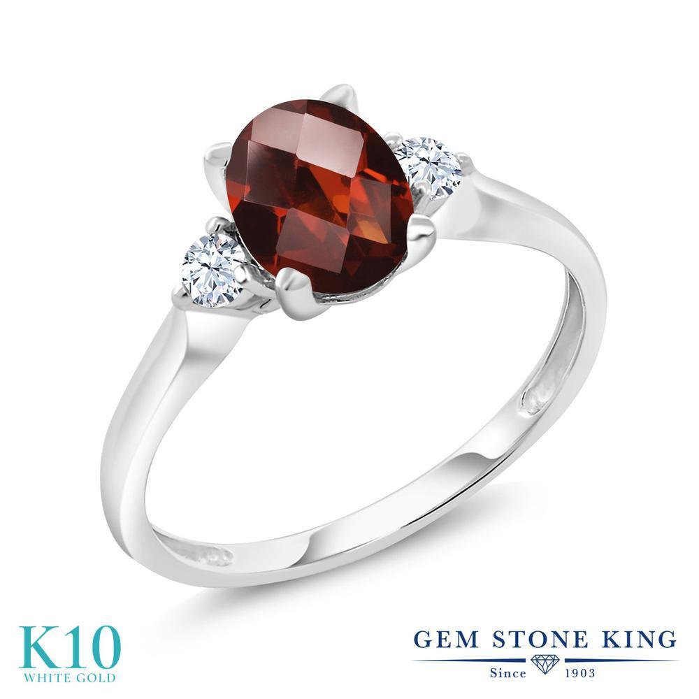 【10%OFF】 Gem Stone King 1.63カラット 天然 ガーネット 合成ホワイトサファイア (ダイヤのような無色透明) 指輪 リング レディース 10金 ホワイトゴールド K10 大粒 シンプル スリーストーン 天然石 1月 誕生石 クリスマスプレゼント 女性 彼女 妻 誕生日