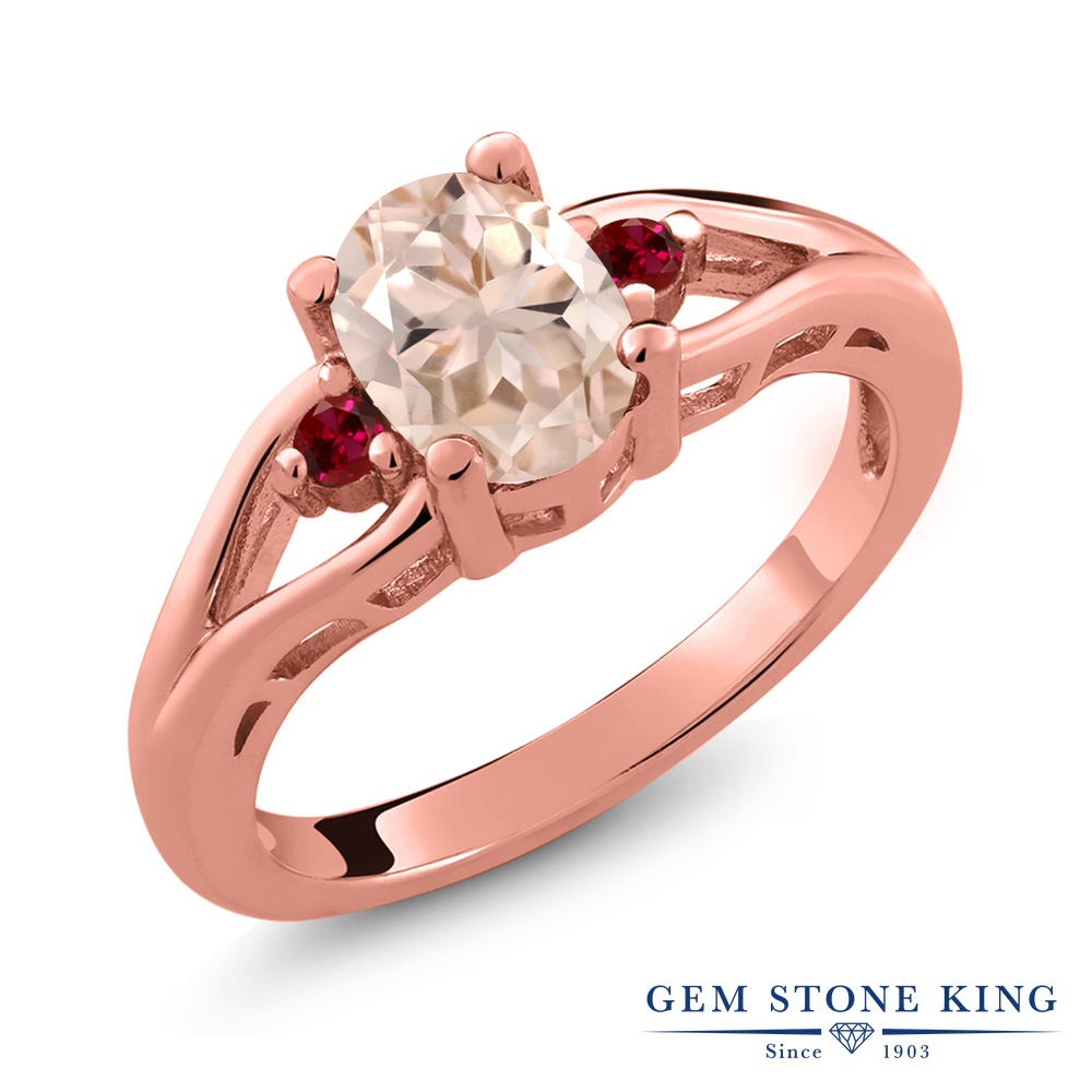 Gem Stone King 1.1カラット 天然 モルガナイト (ピーチ) 合成ルビー シルバー925 ピンクゴールドコーティング 指輪 リング レディース 大粒 シンプル スリーストーン 天然石 3月 誕生石 金属アレルギー対応 誕生日プレゼント