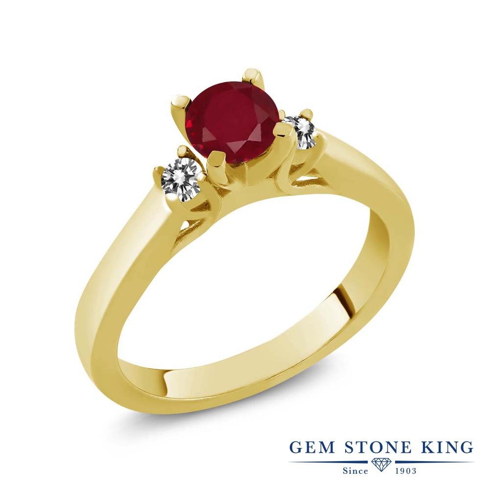Gem Stone King 0.69カラット 天然 ルビー 天然 ダイヤモンド シルバー925 イエローゴールドコーティング 指輪 リング レディース スリーストーン シンプル 天然石 7月 誕生石 金属アレルギー対応 誕生日プレゼント