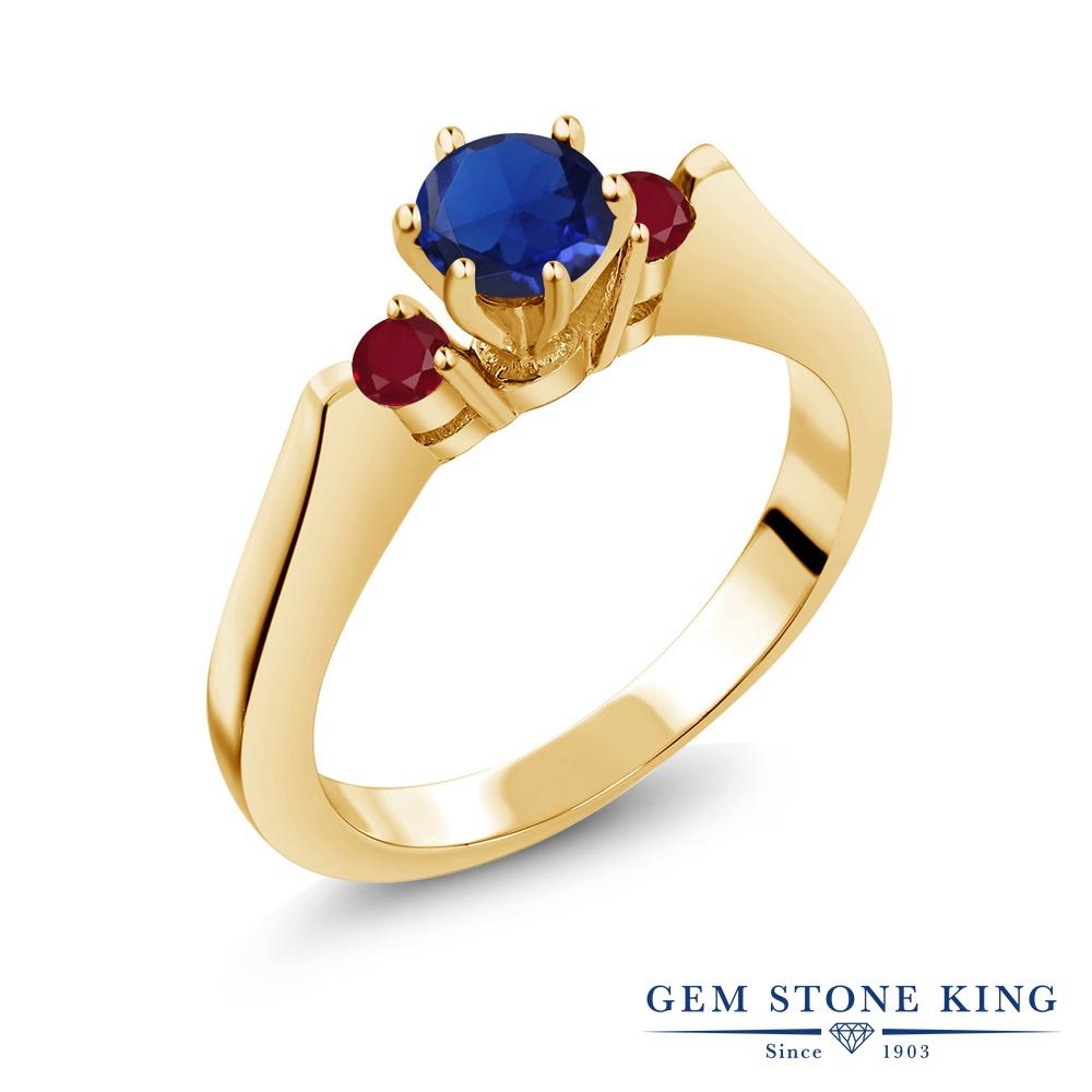 Gem Stone King 0.79カラット シミュレイテッド サファイア 天然 ルビー シルバー925 イエローゴールドコーティング 指輪 リング レディース スリーストーン シンプル 金属アレルギー対応 誕生日プレゼント