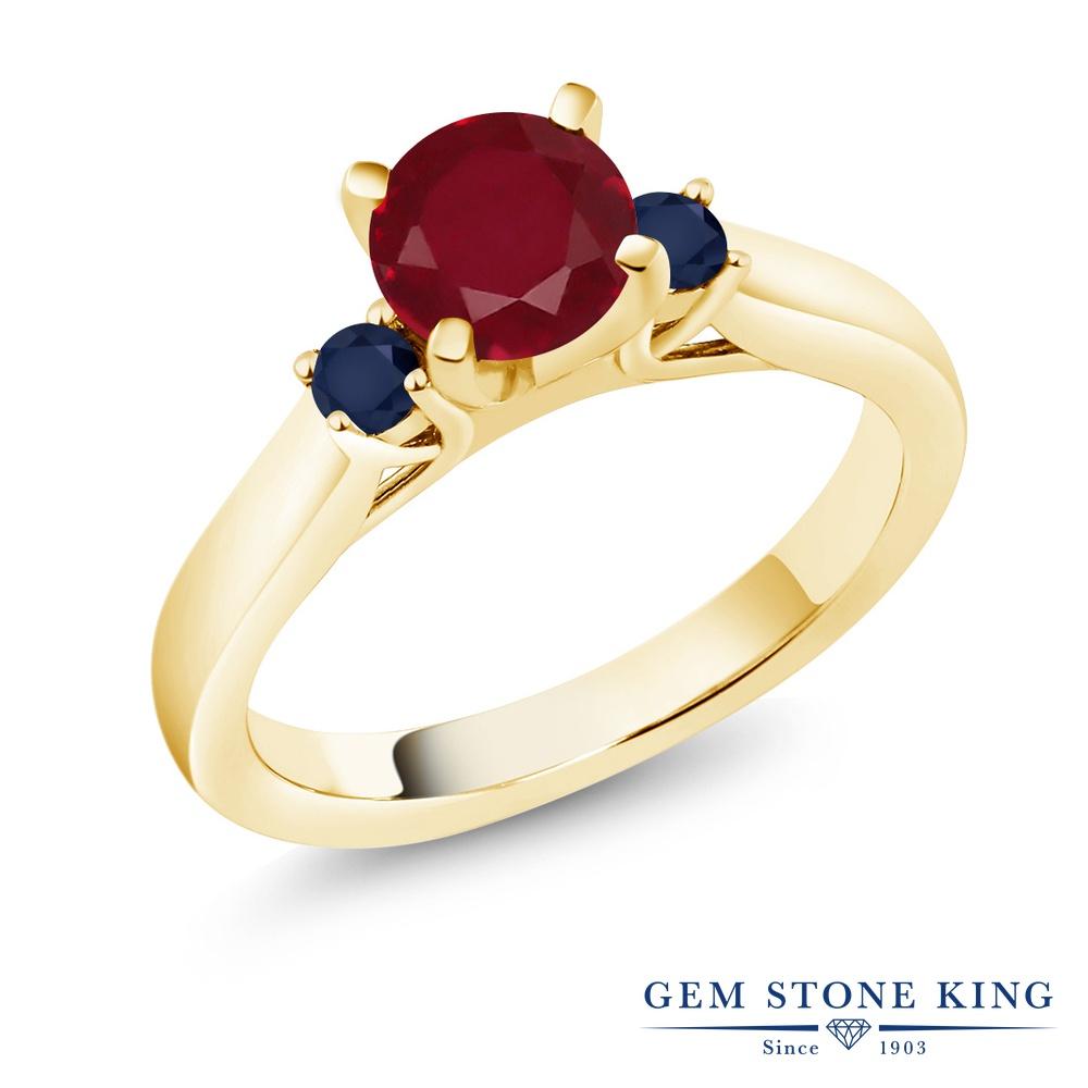 Gem Stone King 1.26カラット 天然 ルビー 天然 サファイア シルバー925 イエローゴールドコーティング 指輪 リング レディース 大粒 スリーストーン シンプル 天然石 7月 誕生石 金属アレルギー対応 誕生日プレゼント
