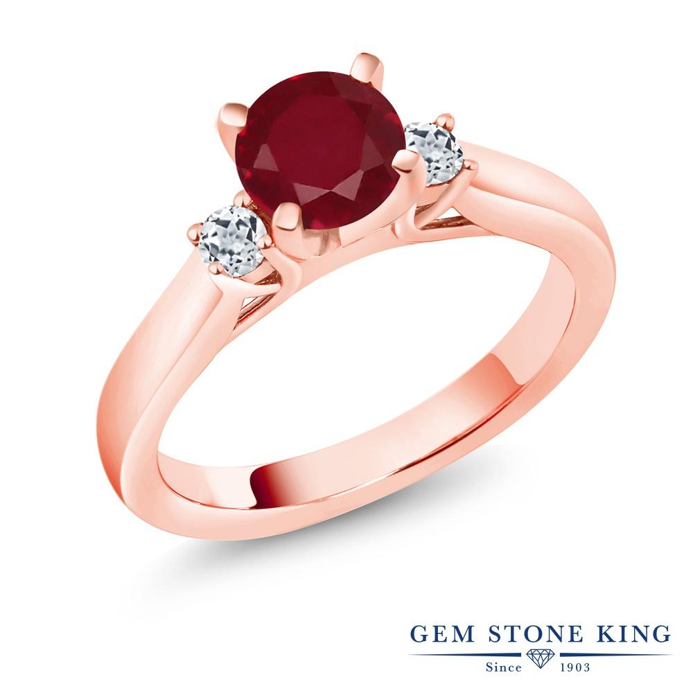 Gem Stone King 1.33カラット 天然 ルビー 天然 トパーズ (無色透明) シルバー925 ピンクゴールドコーティング 指輪 リング レディース 大粒 スリーストーン シンプル 天然石 7月 誕生石 金属アレルギー対応 誕生日プレゼント