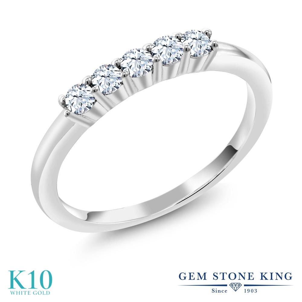 Gem Stone King 0.65カラット 合成ホワイトサファイア (ダイヤのような無色透明) 10金 ホワイトゴールド(K10) 指輪 リング レディース 小粒 バンド 金属アレルギー対応 結婚指輪 ウェディングバンド