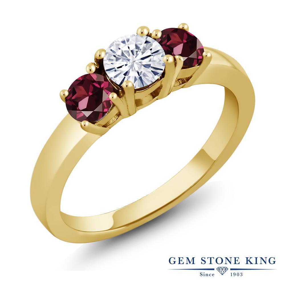 Gem Stone King 1.24カラット Forever Brilliant モアッサナイト Charles & Colvard 天然ロードライトガーネット シルバー 925 イエローゴールドコーティング 指輪 リング レディース 小粒 シンプル 誕生日プレゼント