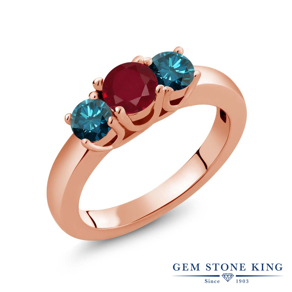 Gem Stone King 1.09カラット 天然 ルビー 天然 ブルーダイヤモンド シルバー925 ピンクゴールドコーティング 指輪 リング レディース シンプル スリーストーン 天然石 7月 誕生石 金属アレルギー対応 誕生日プレゼント