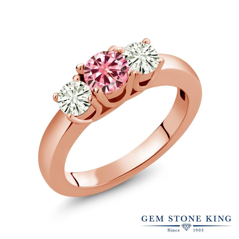 Gem Stone King 0.96カラット ピンク モアサナイト Charles & Colvard モアサナイト Charles & Colvard シルバー925 ピンクゴールドコーティング 指輪 リング レディース モアッサナイト 小粒 シンプル スリーストーン 金属アレルギー対応 誕生日プレゼント