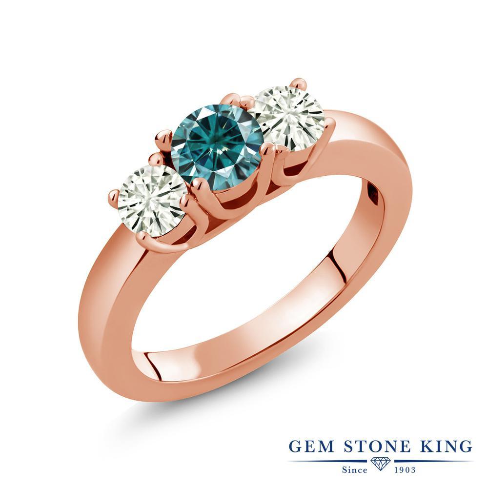Gem Stone King 0.96カラット ブルー モアサナイト Charles & Colvard モアサナイト Charles & Colvard シルバー925 ピンクゴールドコーティング 指輪 リング レディース モアッサナイト 小粒 シンプル スリーストーン 金属アレルギー対応 誕生日プレゼント