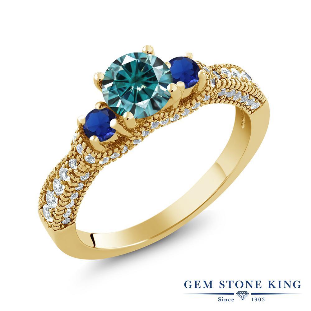 【10%OFF】 Gem Stone King 1.75カラット ブルー モアッサナイト Charles & Colvard シミュレイテッドサファイア シルバー 925 イエローゴールドコーティング 指輪 リング レディース モアサナイト 小粒 スリーストーン 金属アレルギー対応 誕生日プレゼント